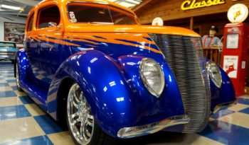 "1937 FORD SEDAN ALL STEEL ""FAT FENDER FORD"" – SUNSET ORANGE / MAGIC BLUE full"