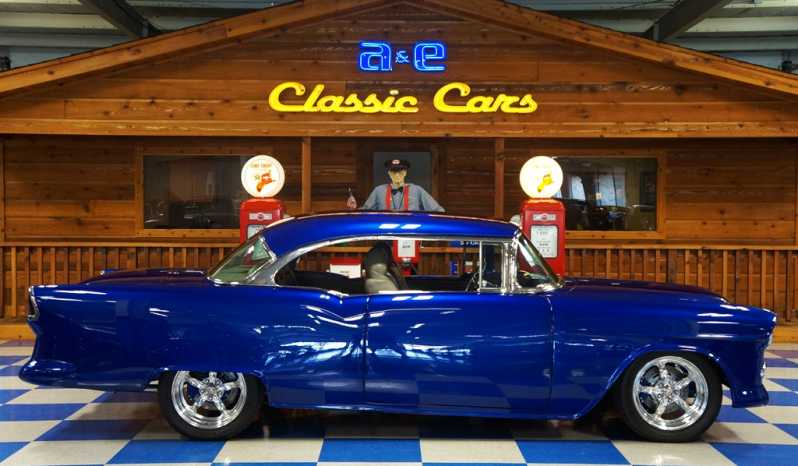 1955 Chevrolet Bel Air Resto Mod – House of Kolor Oriental Blue full