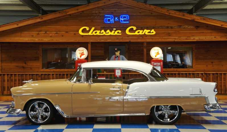 1955 Chevrolet Bel Air Resto Mod – Tan / White full