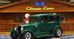 1929 Ford 4dr Sedan – Green / White