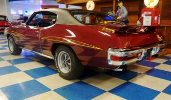 1970 Pontiac GTO Judge – Maroon / Black full
