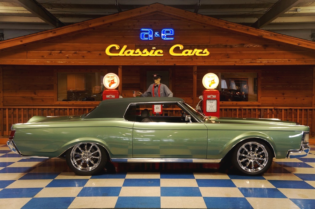 1969 lincoln continental mark iii custom fuel injected green a e classic cars. Black Bedroom Furniture Sets. Home Design Ideas