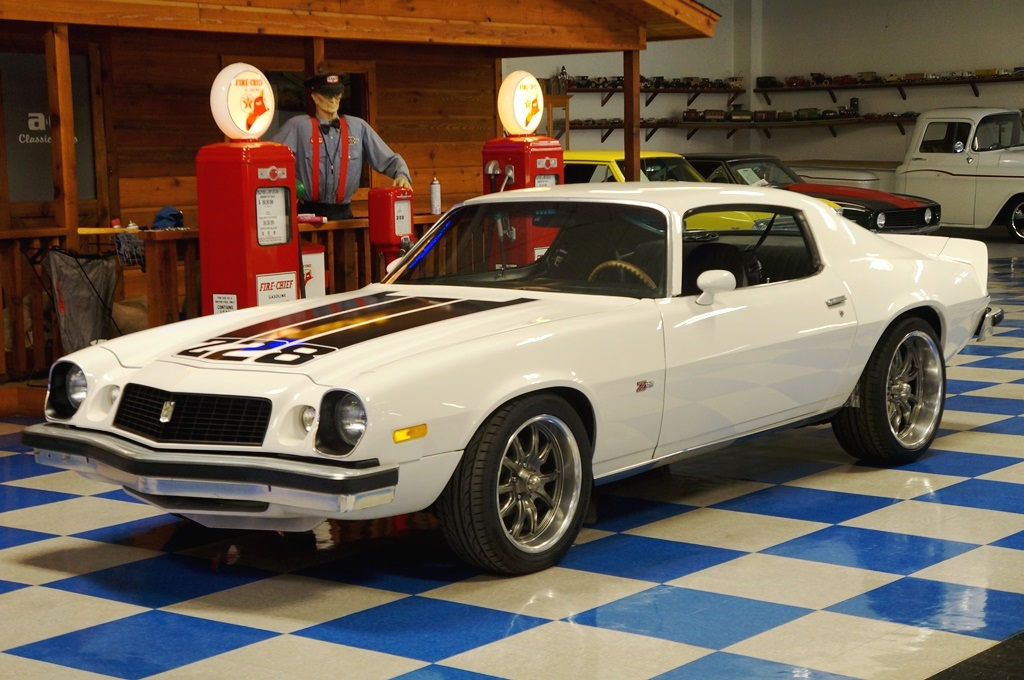 Watch moreover 1987 Chevrolet Silverado Mud Truck Lifted Stroker as well Verifying Your Real Advance Curve together with Msd Pn 6425 Wiring Diagram likewise 1974 Chevrolet Camaro Z28 White Black. on msd hei ignition