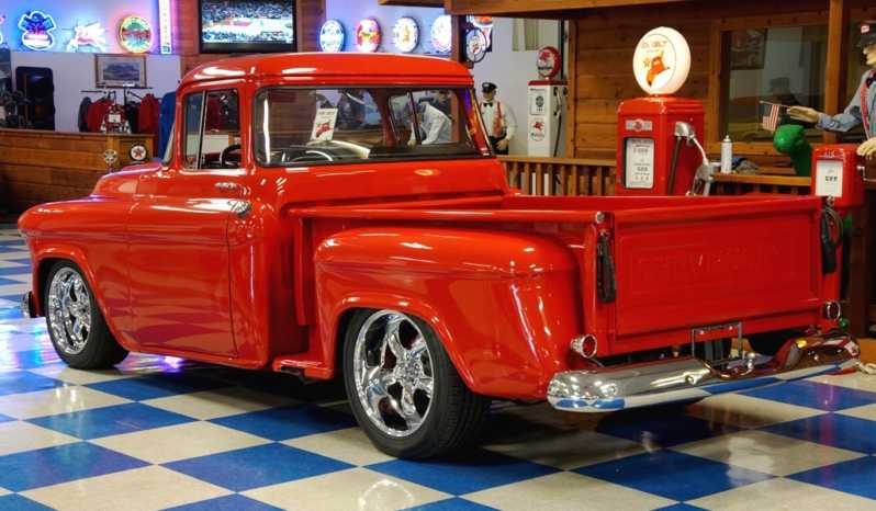 1957 Chevrolet 3100 Big Window Pickup – Torch Red full