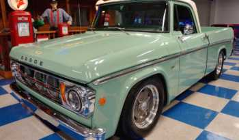 1969 Dodge D100 Pickup – Green / White full