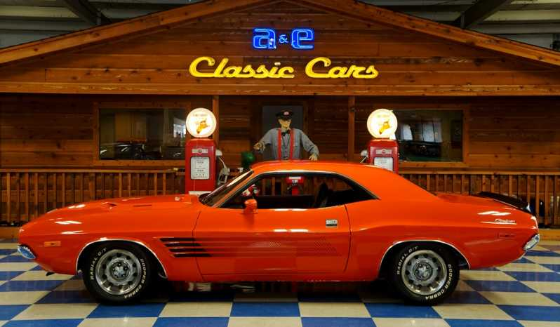 1972 Dodge Challenger 340 – Hemi Orange / Black full