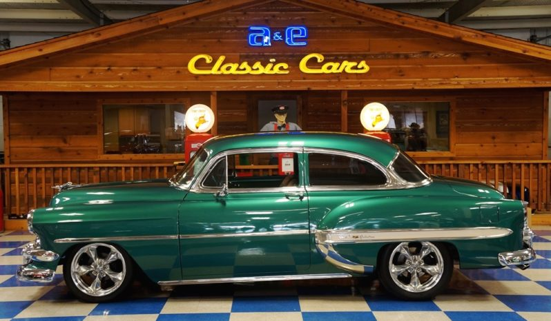 1954 Chevrolet Bel Air LS Resto Mod – Green / White full