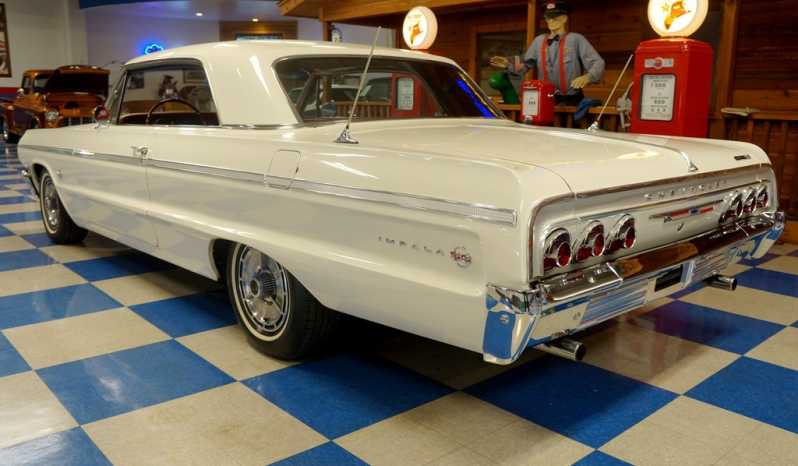 1964 Chevrolet Impala SS – Artic White full