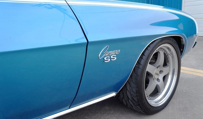 1969 Chevrolet Camaro Pro-Touring LS1 – LeMans Blue / White full