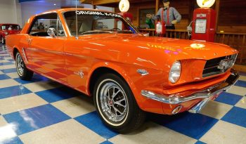 "1965 Ford Mustang ""K Code HiPo"" Coupe – Poppy Red full"