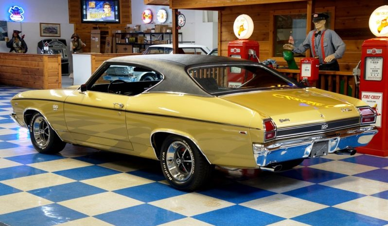 1969 Chevrolet Chevelle Resto Mod 502 – Olympic Gold / Black full