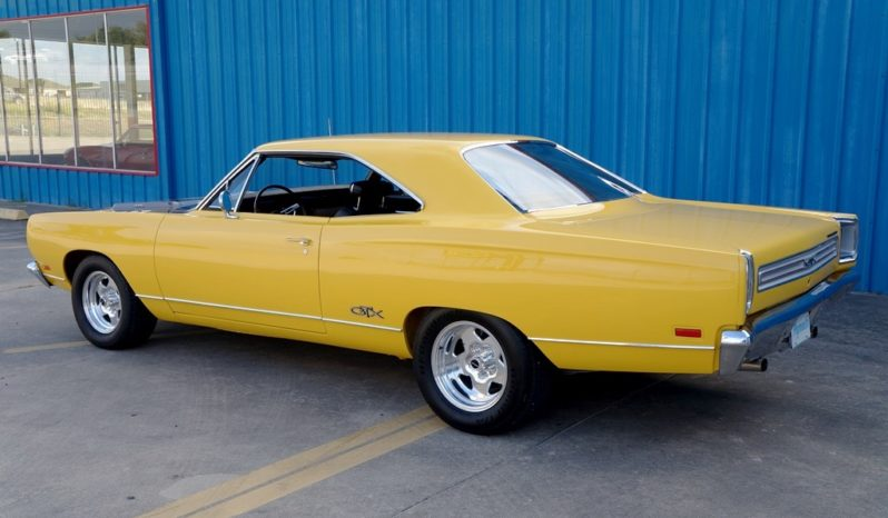 1969 Plymouth GTX 440 Resto Mod – Chrome Yellow / Pepper Gray full
