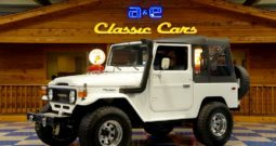 1980 Toyota Land Cruiser FJ40 – White / Black