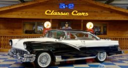 1956 Ford Fairlane Victoria – Raven Black / White