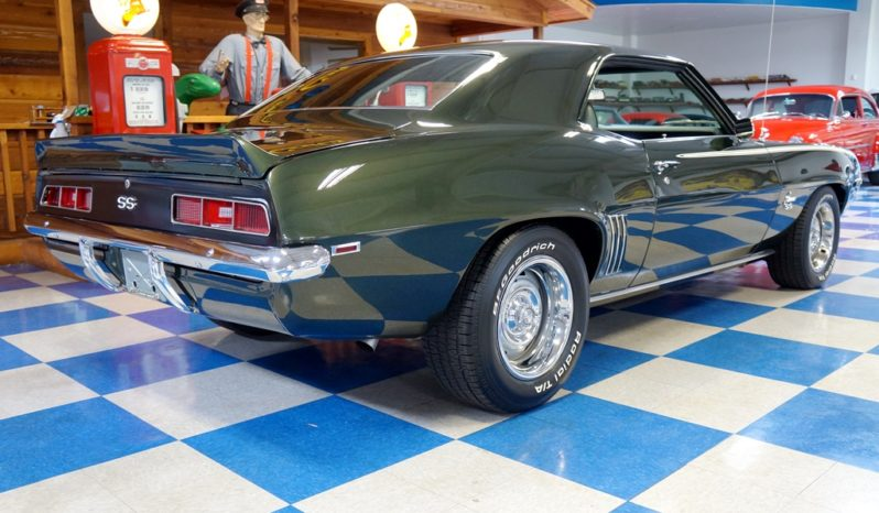 1969 Chevrolet Camaro 427 – Fathom Green / White full