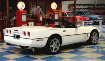 1990 Chevrolet Corvette Convertible – White full
