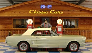 1966 Ford Mustang Convertible – Sauterne Gold / Ivory full