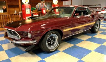 1969 Ford Mustang Mach 1 – Maroon / Black full