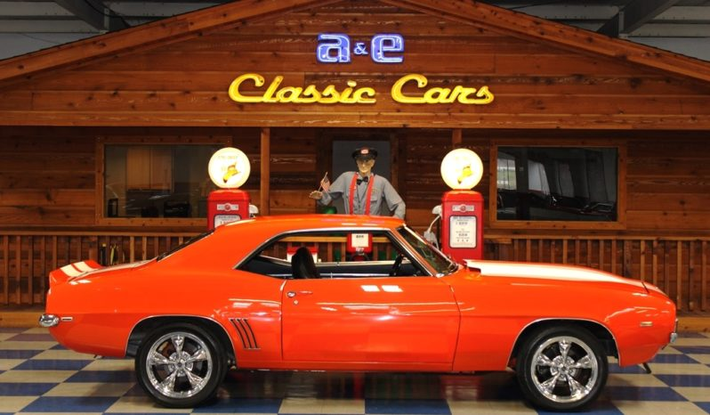 1969 Chevrolet Camaro – Hugger Orange / White full