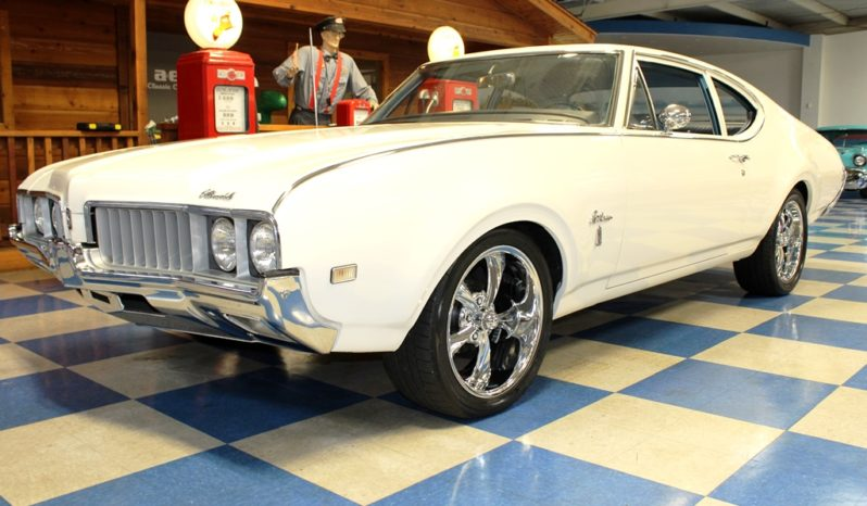 1969 Oldsmobile Cutlass S – Cameo White full
