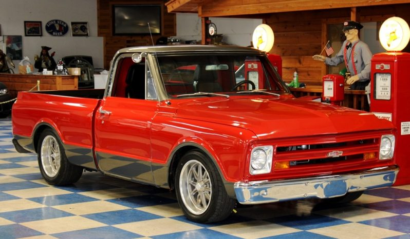 1967 Chevrolet C10 Pickup – Red / Gray full