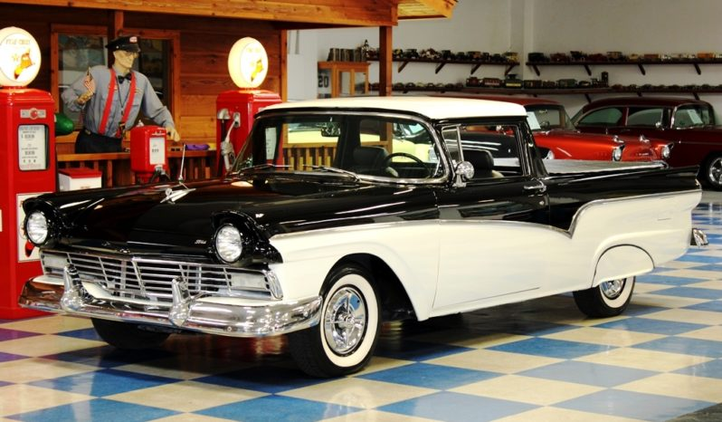 1957 Ford Ranchero – Black / White full