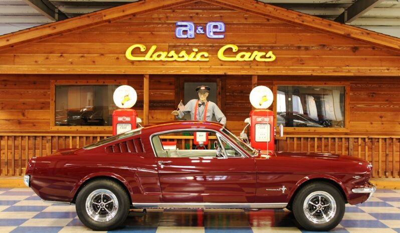 1965 Ford Mustang Fastback – Maroon full