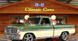 1972 Ford F100 Pickup – Green / Ivory