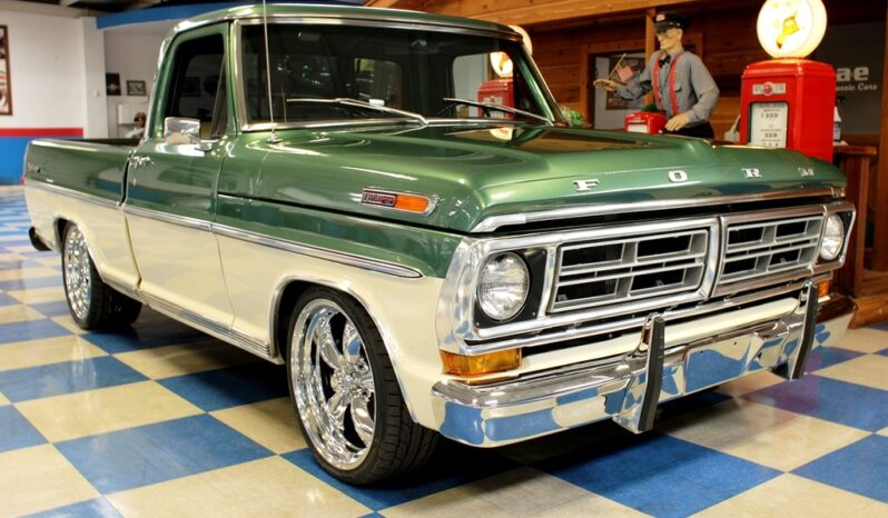 1972 Ford F100 Pickup – Green / Ivory full