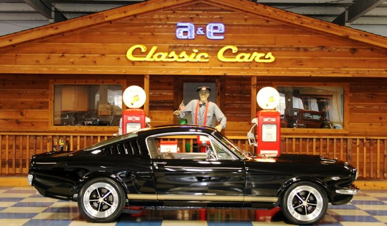 1965 Ford Mustang Fastback – Black / Fawn full