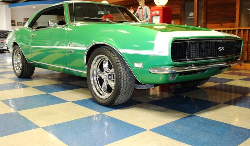 1968 Chevrolet Camaro – Rallye Green / White full